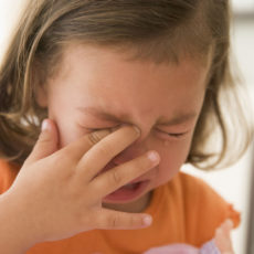 Очень часто глаза травмируют дети