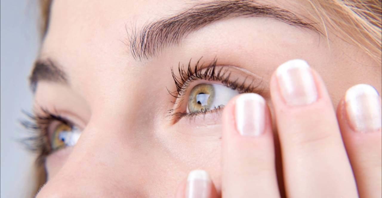 Дергается глаз: разбираем причины нарушения мышечного аппарата нижнего века