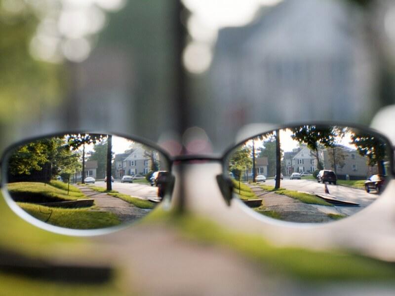 Близорукость: что это такое, какие очки нужны, плюс или минус
