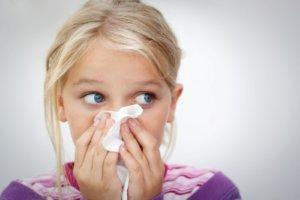 Глазные капли от аллергии: список и рекомендации по применению