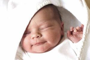 Чем промывать глаза у новорожденных