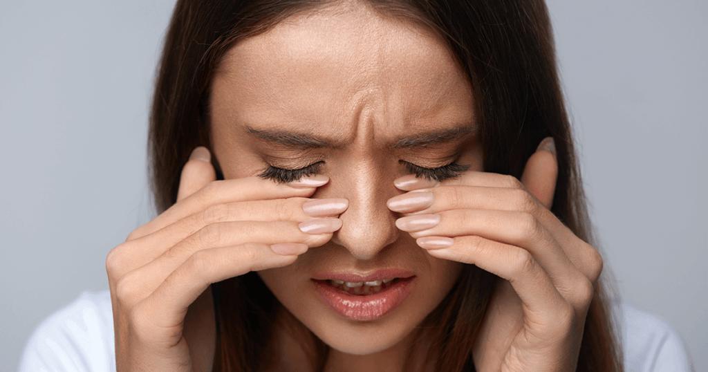 Причины появления раздражения под глазами и методы его лечения