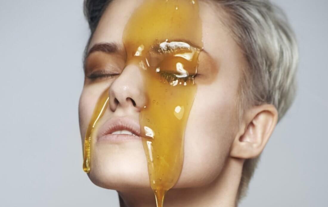 Мёд на лице