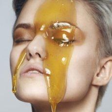 Можно ли капать мед в глаза и как правильно применять его в рецептах народной медицины
