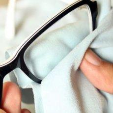 Как и чем правильно протирать очки, чтобы не было разводов и царапин