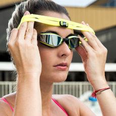 Как правильно выбрать очки для плавания — обзор моделей и разновидностей