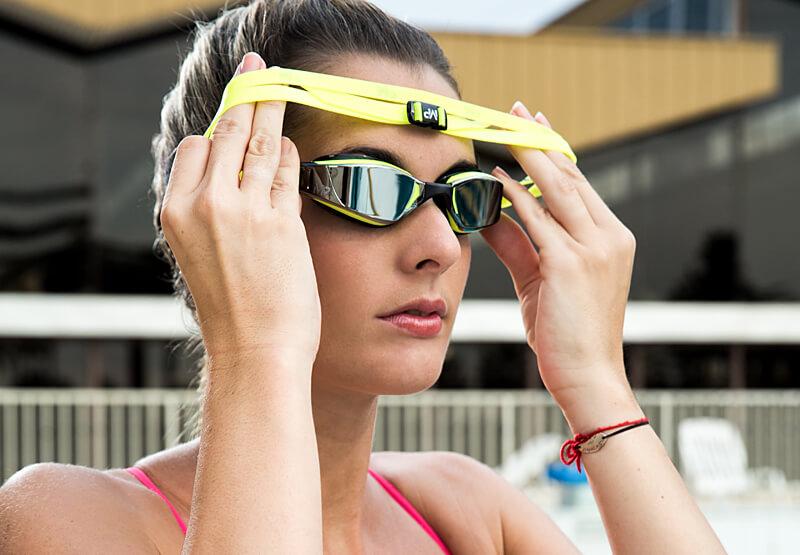 Как правильно выбрать очки для плавания - обзор моделей и разновидностей